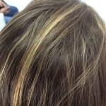 El cabello ha quedado con un brillo alucinante con un toque suave de cepillo